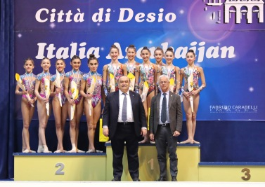 FAB_4905 FCI PODIO (JUNIOR TEAM) FB